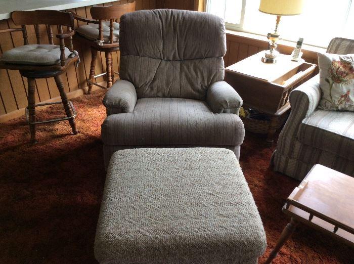 Den - Chair & matching ottoman