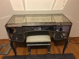 mirrored vanity with bench $1000