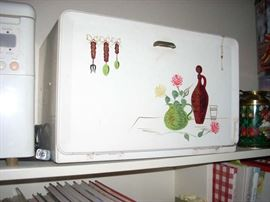Vintage Breadbox