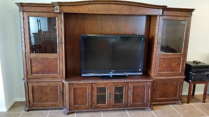 Fantastic Lane Entertainment Unit- $4,000 new- Fits any flatscreen TV