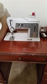 Desk Style Sewing Machine