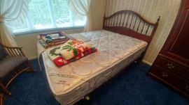 Thomasville Queen Bed