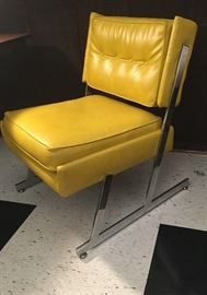 MID CENTURY MODERN YELLOW TUFTED CHROME CHAIR