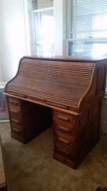 antique roll top desk closed