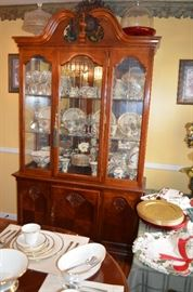 Gorgeous China Cabinet which matches the Queen Anne Dining Table and Chairs  * just look how nicely it  displays China and Glassware!
