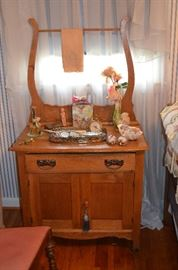 Beautiful American Oak Bedroom Set includes Mirrored Dresser and Ox Bow Style Dry Sink notice the Antique Silver Hair set and more!
