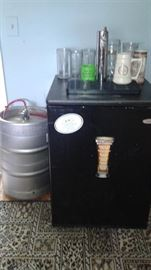 Party Keg Cooler with keg (empty Ho-Hum)