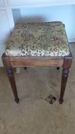 Chair Vanity