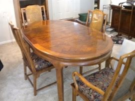 Century dining room table and four chairs with leaf