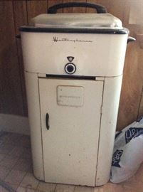 Westinghouse roaster, in good condition!