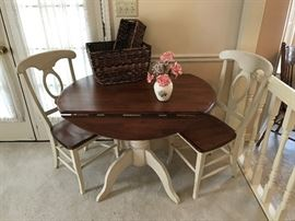 Havertys drop leaf table and two chairs