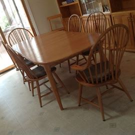 Table - 6 Chairs (2 Captains) and Leaf $ 300.00