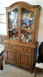 Lovely little Drexel hutch china cabinet - simple darling piece.