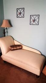 CHAISE LOUNGE - FLOOR LAMP