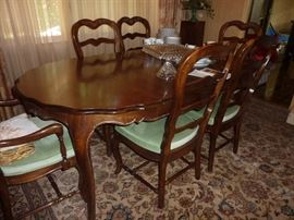 Bernhardt table and chairs