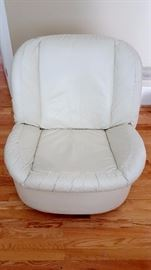 Glenn Furniture leather swivel chair
