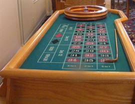 "Roulette Casino Table Custom Made with a 22"" Roulette wheel,  Oak Table with Vegas Style green felt. Roulette Wheel hardwood inlay with Mahogany, Maple, Cherry and other woods.  Start Price $3500.0"