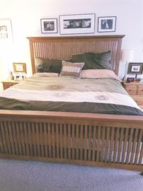 Pine shaker bed