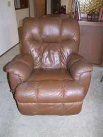 LANE MOCHA LEATHER  ROCKER RECLINER-EXCELLENT CONDITION