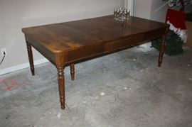 """Beautiful dining room table 48"""" x 80"""""""