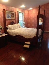 Pulaski 4 Poster Bed, Bed Steps