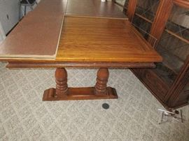 1960 TABLE AND CHIARS