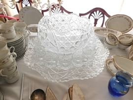 Pattern Glass Punch Bowl SEt