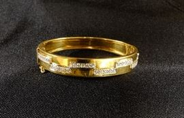 d bracelet