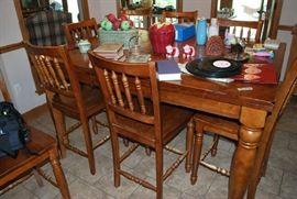 Nice Kitchen Table and Chairs
