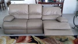 Palliser Leather Wall Saver Electric Reclining Sofa