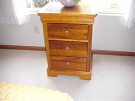 Nightstand (inc'd with 4 pcs)