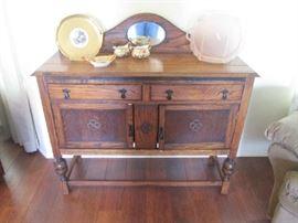 antique buffet English oak - stunning piece in great shape