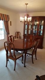 Drexel Formal Dining Table & Chairs with leaves, pads and Matching China Cabinet