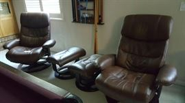 Like new Recliners with ottomans