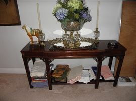 Lovely Chinese Chippendale sofa table or entry table.