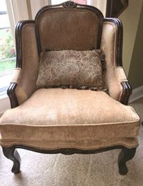 Upholstered arm chair in excellent condition