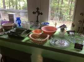 Pyrex bowls and misc. tableware