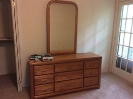 Dresser and headboard... Excellent condition