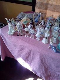 Florence figurines children