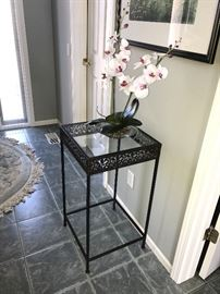 METAL AND GLASS SIDE TABLE WITH FAUX ORCHID DECOR'