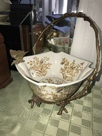 METAL AND PORCELAIN BUTTERFLY BASKET