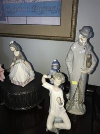 COLLECTIBLE LLADRO FIGURINES