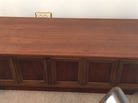Vintage Lane chest