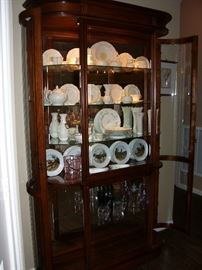 Side opening lighted display cabinet