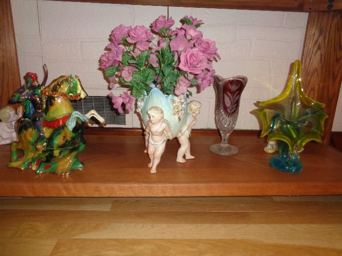 Cherub Angels holding bud vase applied flower bisque
