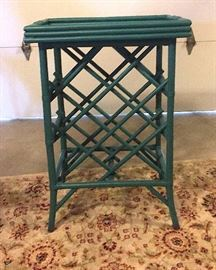 Wine rack with removable serving tray