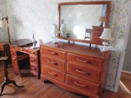 Wonderful Cushman Vanity or Desk w Bench, 6 Drawer Dresser w Mirror, Vanity Milk Glass Lamps, Floor Lamp, 1780 tilt table
