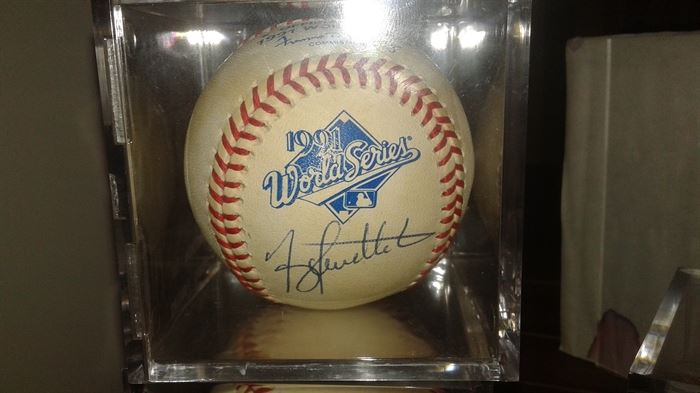 """Terry Pendelton signed """"91""""world series"""