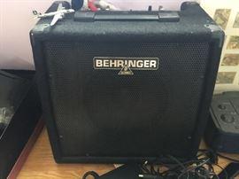Behringer Amp