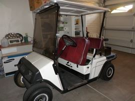 1993 EZ- GO GOLF CART - RUNS GREAT!